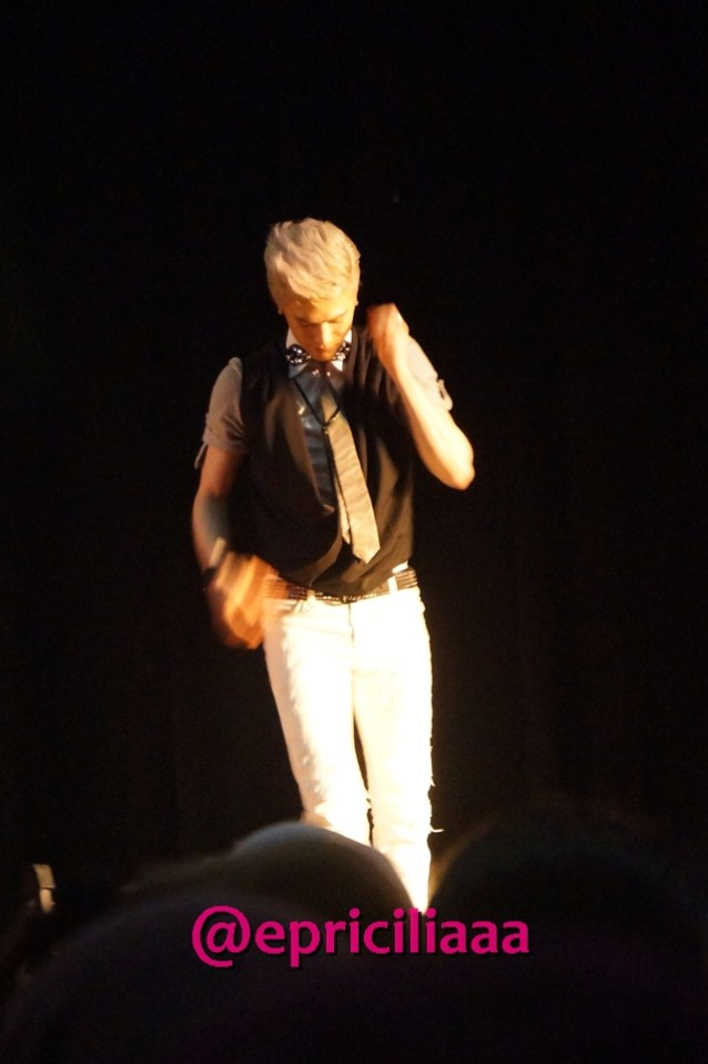 F.Y.I on stage with Lunafly, Jakarta, March 28th 2013 - Sam solo - California King Bed.