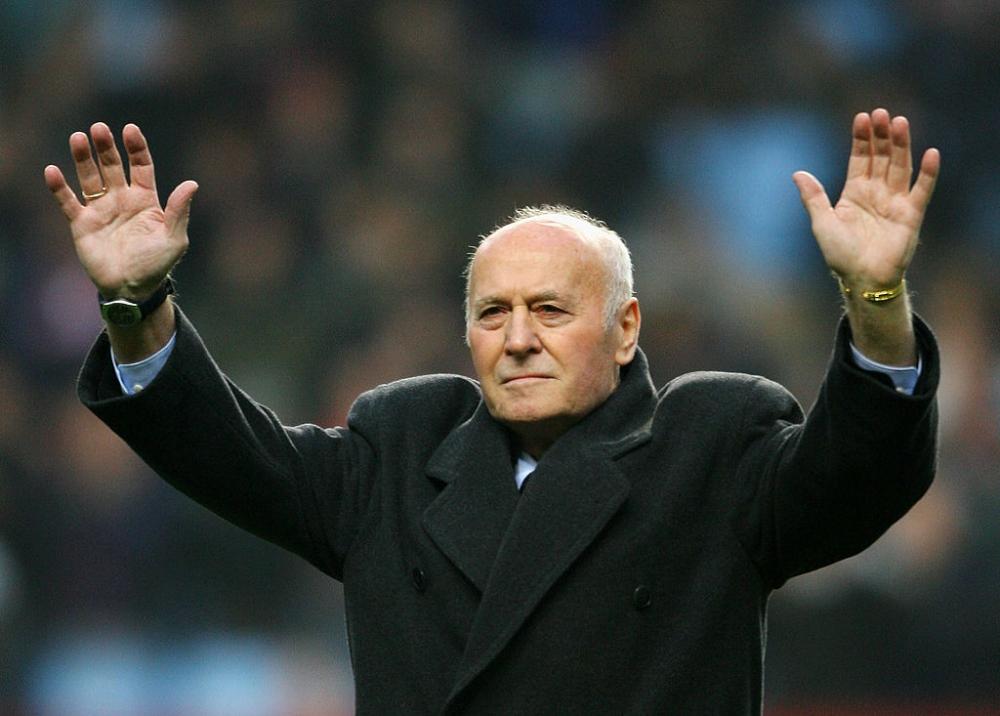Το αντίο σε αυτόν που κάποτε έκανε την Άστον Βίλα πρωταθλήτρια Ευρώπης!