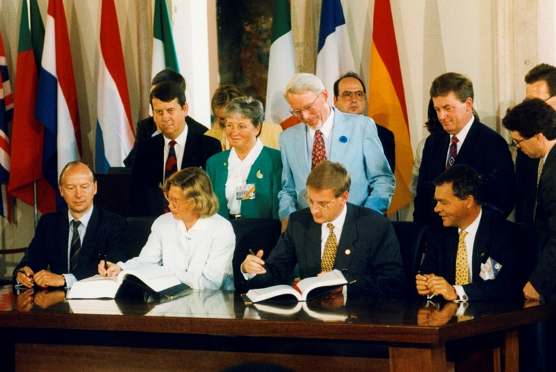 The 1995 enlargement of the European Union: The accession of Finland and Sweden