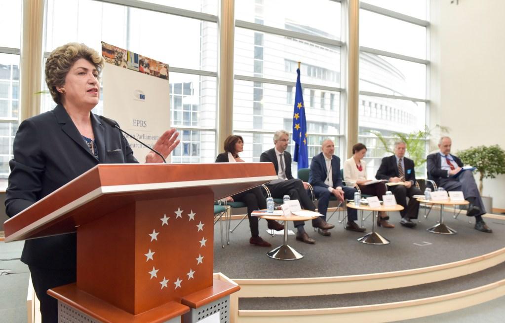 The European social pillar and reform of economic and monetary union: setting European priorities