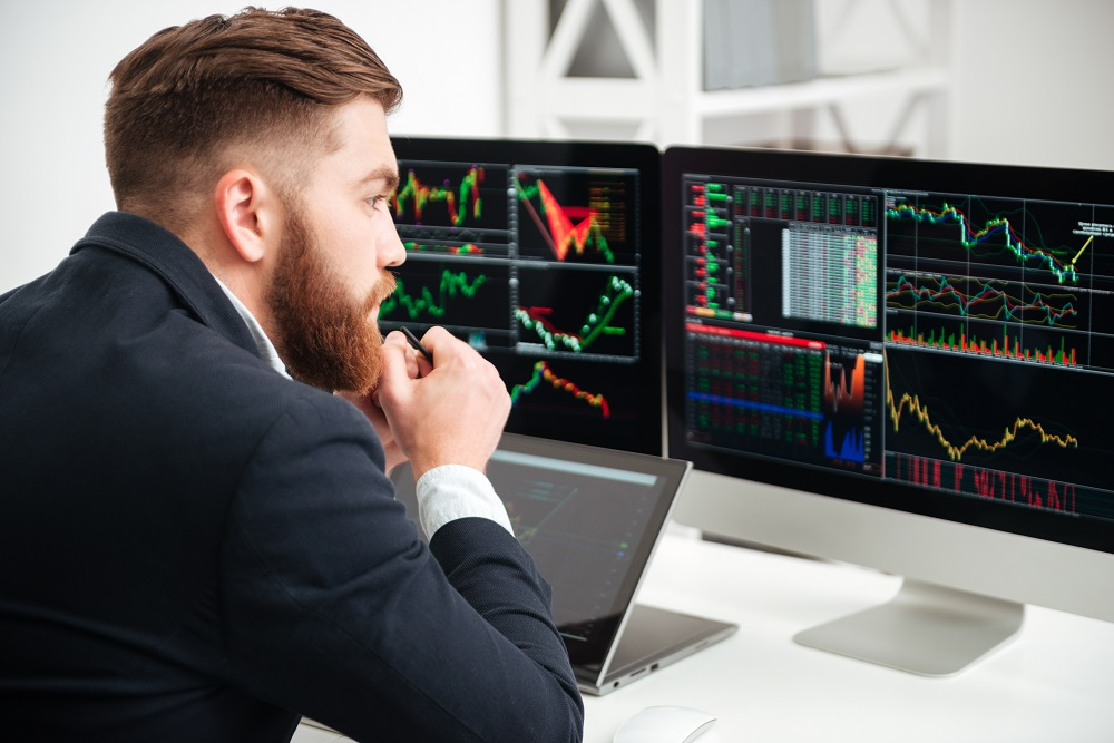 Small investors [What Europe does for you]