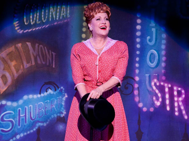 Lorna Luft in Irving Berlin's 'White Christmas' (photo by Mark Gavin)