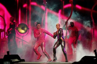 pink beautiful trauma tour review 16 on equality365.com