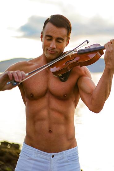 shirtless-violinist-gameofthrones.jpeg