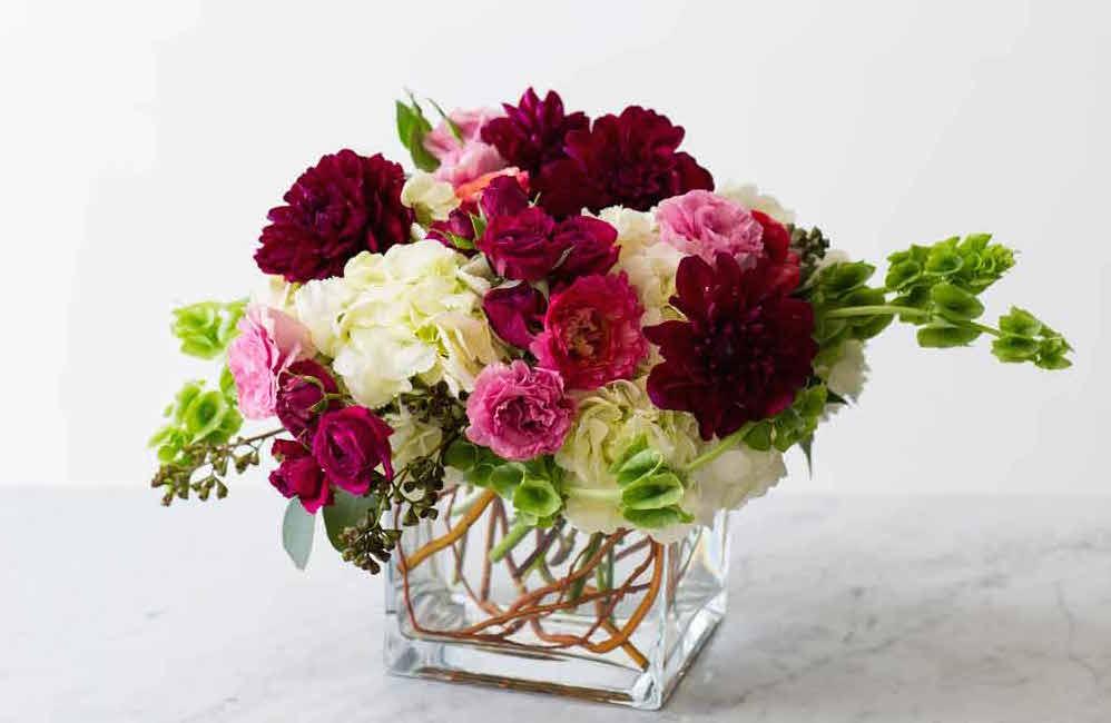 DIY-wedding-flowers-hydrangeas-intro