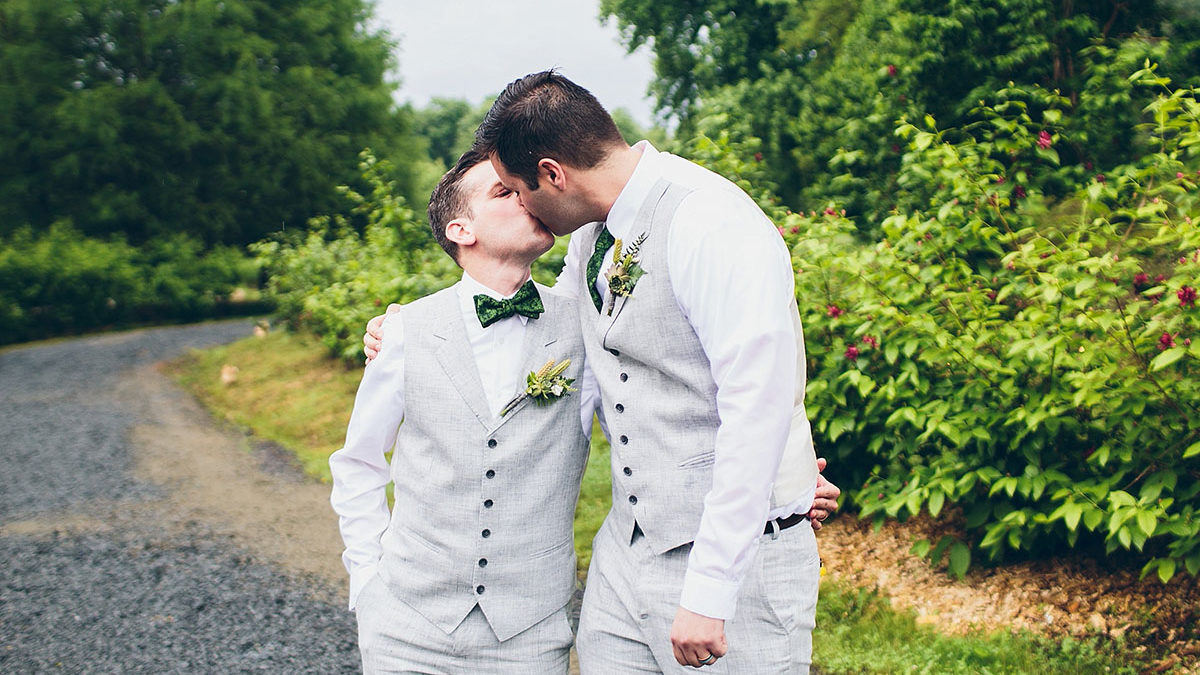 6 Intimate Elopements That Make Us Love Small Weddings