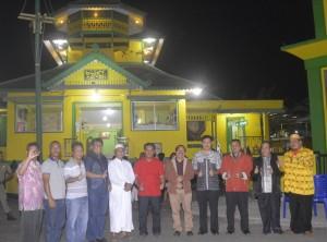 Bupati, Wakil Bupati, Sekda Sanggau foto bersama Kapolres dan Dandim Sanggau di depan Masjid Jami Sanggau