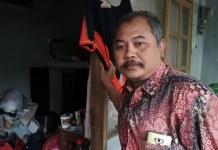 KORBAN SALAH BEKUK. Muhammad Arifin saat ditemui di kediamannya, Jalan Kapi Sraba XI, Desa Mangliawan, Kecamatan Pakis, Malang, Rabu (16/5). (Tika Hapsari/JawaPos.com)
