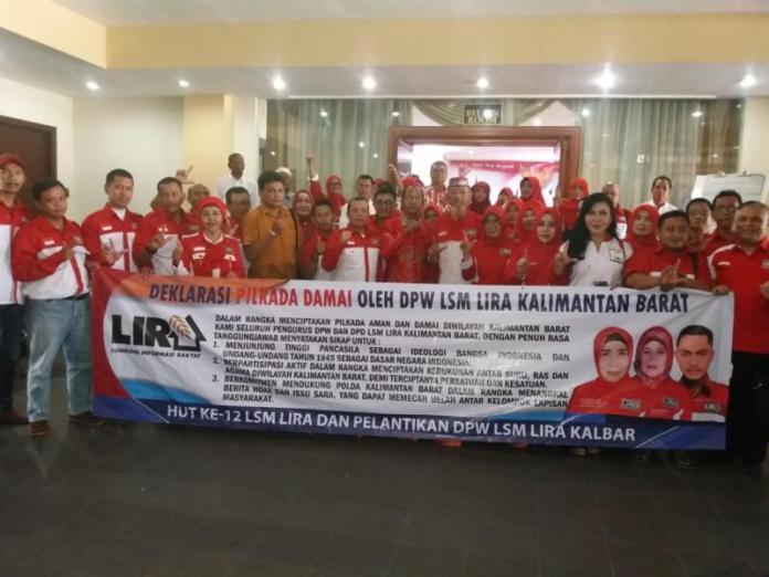 DEKLARASI. LIRA Kalbar melakukan Deklarasi Pilkada Damai Anti Hoax di Hotel Kapuas Darma, Kamis (21/6). Andi Ridwansyah-RK