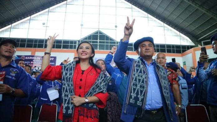 Pasangan calon Gubernur Kalbar Karolin Margret Natasa-Suryadman Gidot.