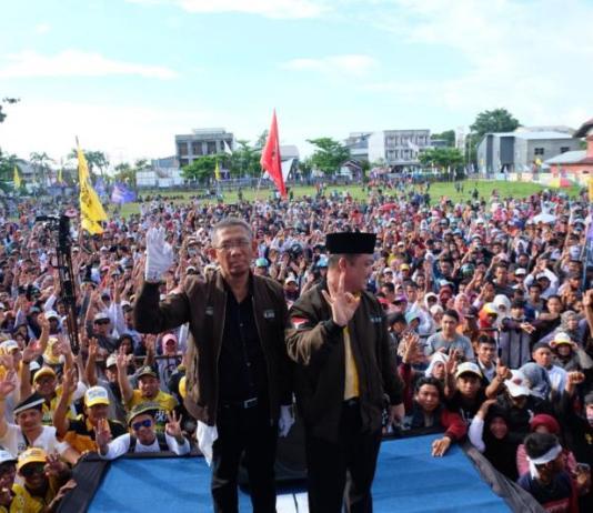 Pasangan Calon Gubernur dan Wakil Gubernur Kalbar nomor 3, Sutarmidji - Ria Norsan menghadiri kampanye akbar bertempat di lapangan Gabsis, Kabupaten Sambas, Rabu (20/6/18).
