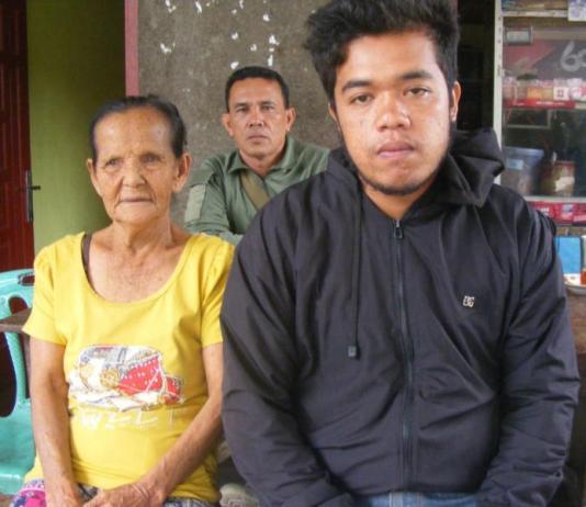 MASIH TRAUMA. Korban selamat Heri Nainggolan di rumah keluarga di Panetonga, Simanlungun. Adi-Metro Siantar