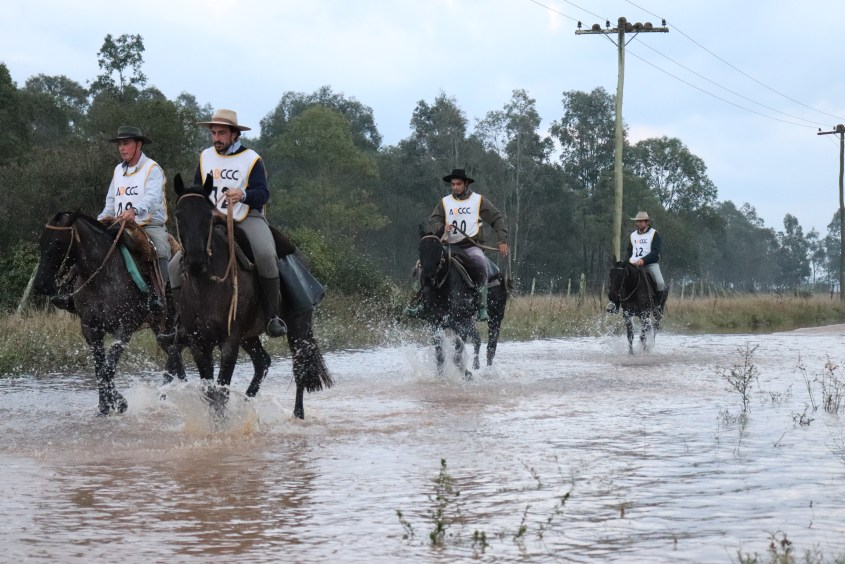 Flooding on the road during the marcha - the Criollo horses have to step through the flooded area