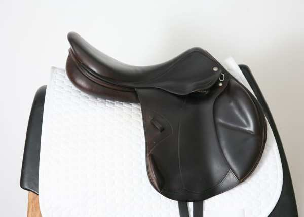 Right Side Amerigo Deep Jump Saddle 18M 0200019