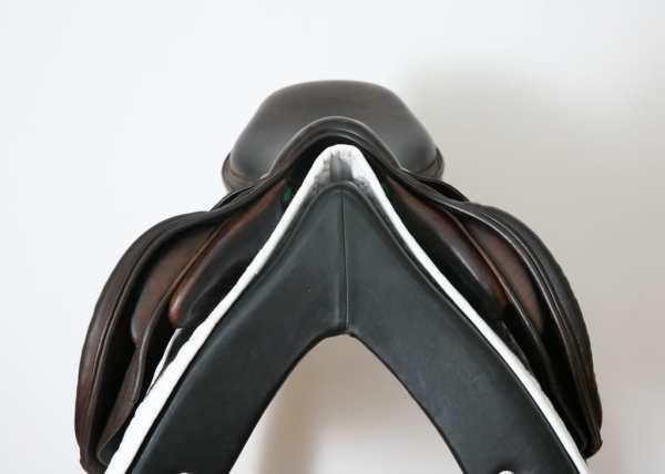 Pommel on Amerigo CC Jump Saddle 17.5M 864061