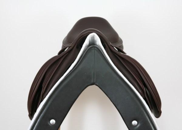 Pommel on Prestige Elegance Jump Saddle
