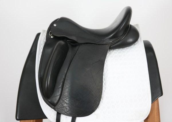 Left Side of Custom Saddlery Wolfgang Solo 17.5M 4706
