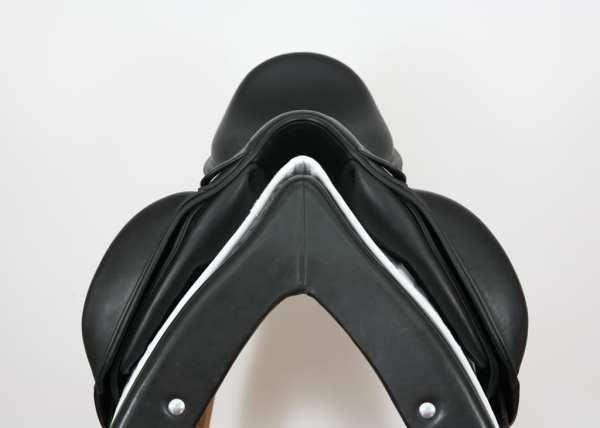 Pommel on Amerigo Cervia Siena Saddle SN: 22260418