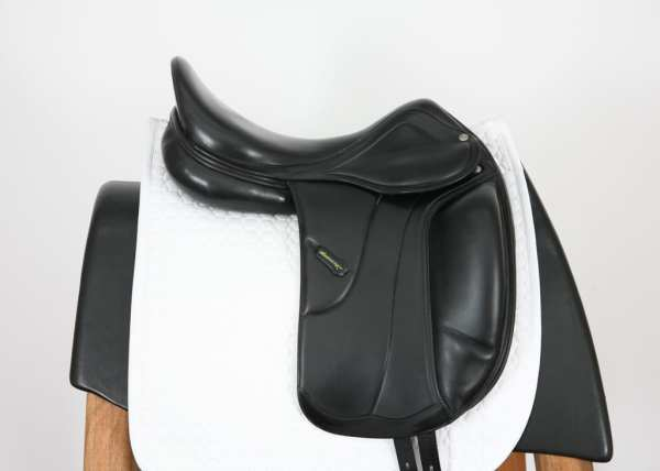 Right side of Amerigo Vega MF Dressage Saddle 50660914