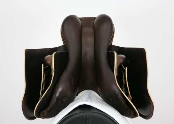 Underside of Prestige X-Paris D 17 35 Jump Saddle SN: 07461114
