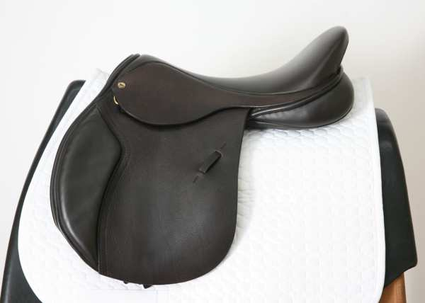 Left Side of Black Country Ricochet 18W Jump Saddle SN: 15558