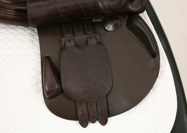 Right Flap on Amerigo Vega Special Jump Saddle 18MW SN: 2618