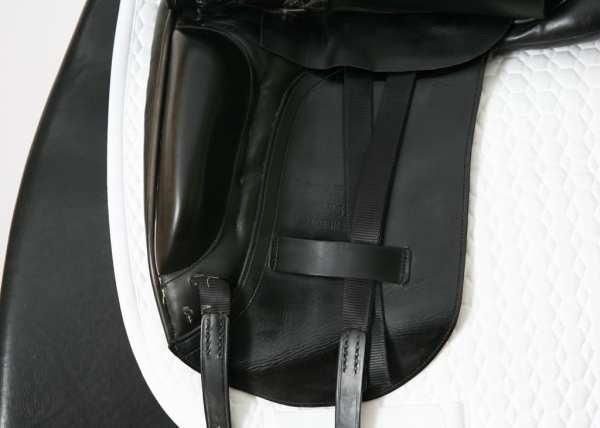 Left Flap on Albion Platinum Dressage Saddle 17W SN: 84322