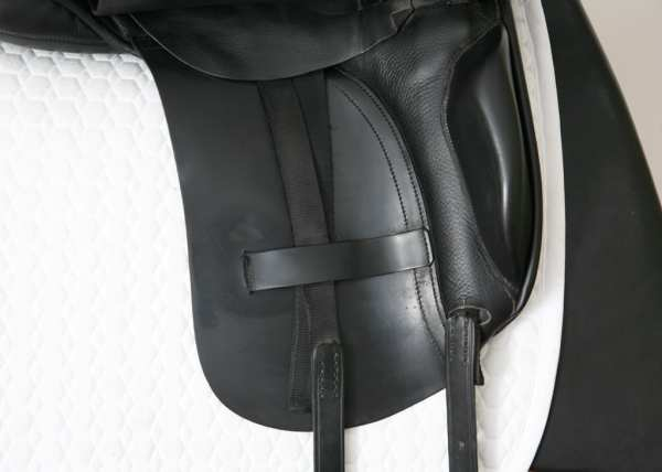Right Flap on Albion K2 Dressage 17.5XW SN: 92704