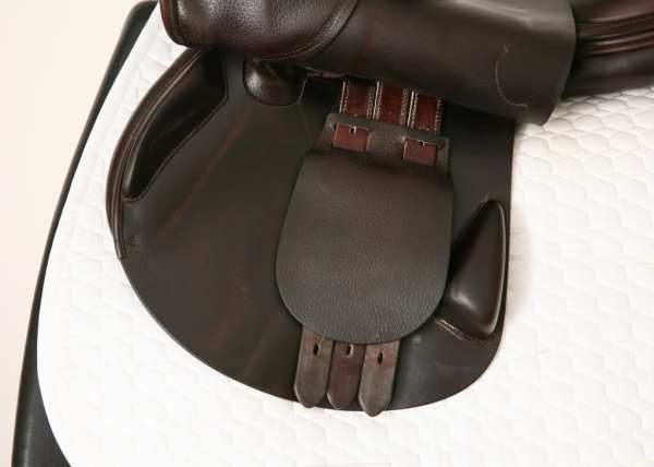 Left Flap on Amerigo Vega Jump Saddle 18MW SN: 0110018
