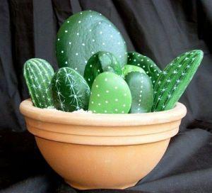 Galets-deco-peints-cactus