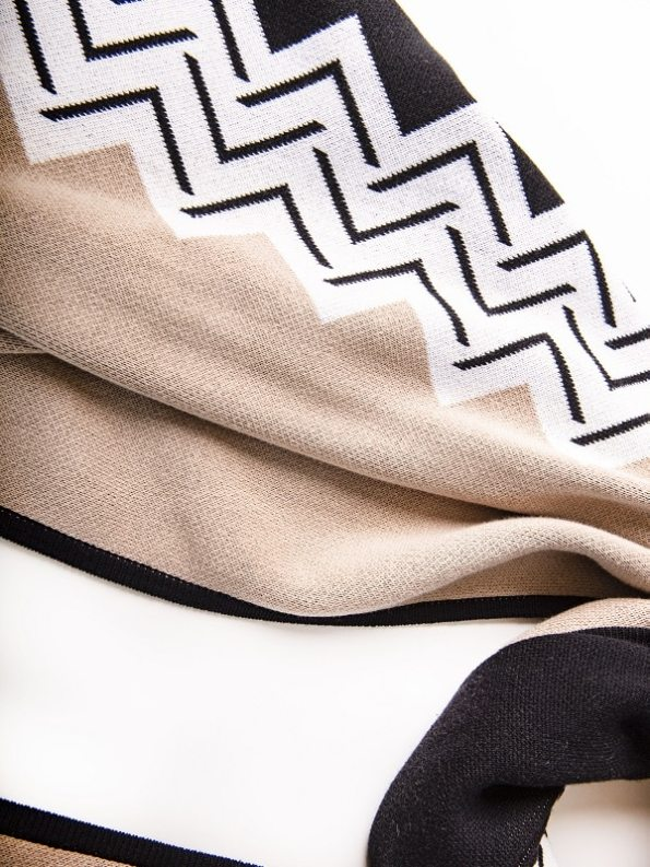 African Style Story Romaria Wrap Close Up 2