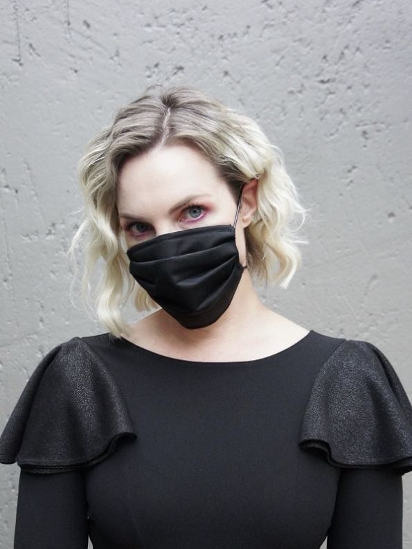 Erre Adjustable Pleated Face Mask with Upper Wire Woman