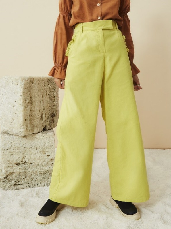 Asha Eleven High Waisted Wide Leg Linen Pants Lemon with Outlander Blouse