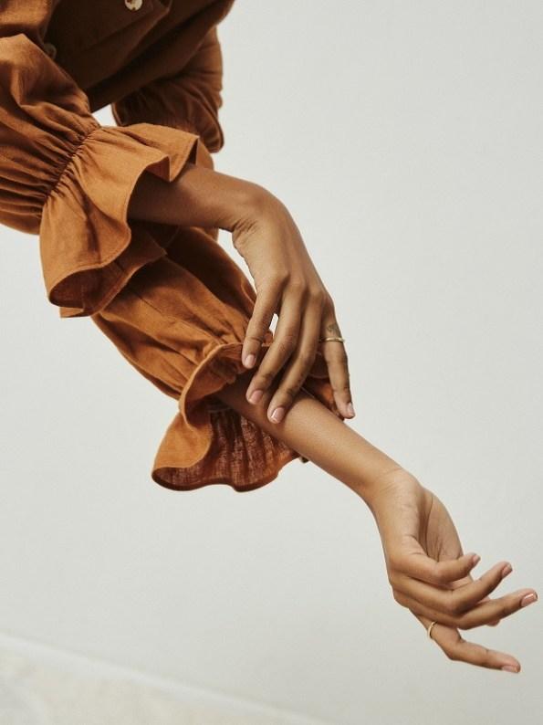Asha Eleven Outlander Blouse Chesa Sleeve