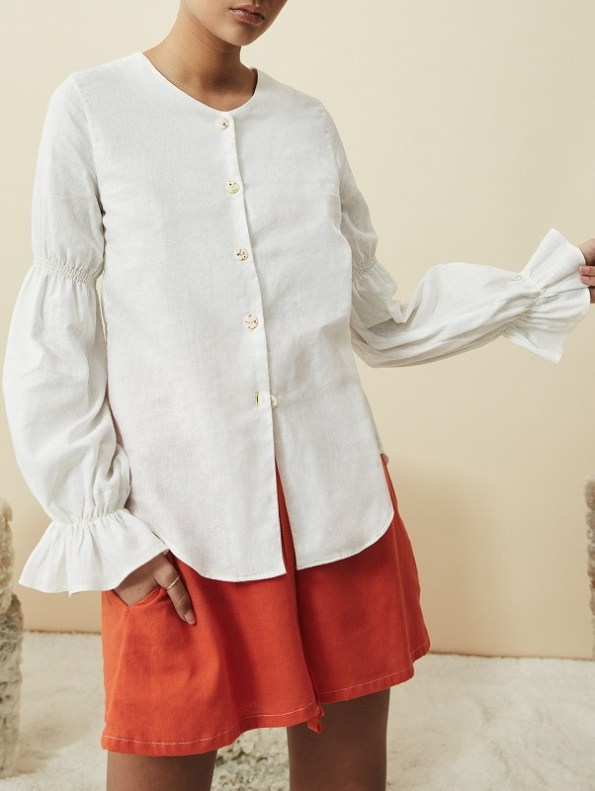 Asha Eleven Outlander Blouse Off-White With Salama Orange Shorts