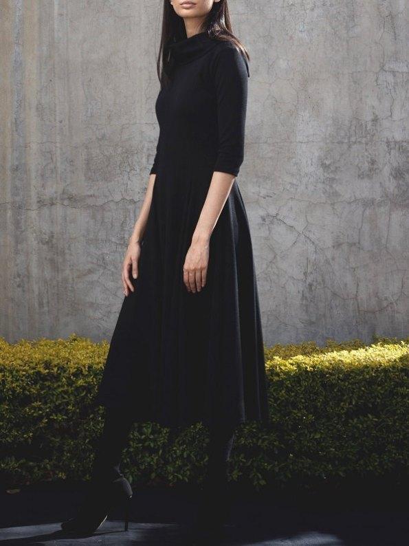 Erre Curve Fit & Flare Dress Side