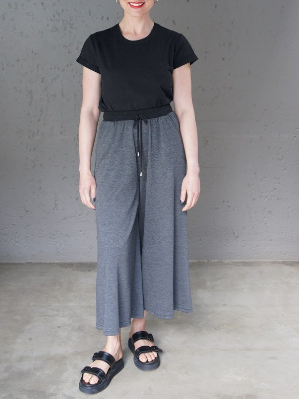 JMVB Jimmy D T-shirt Black With Charcoal Culottes Front