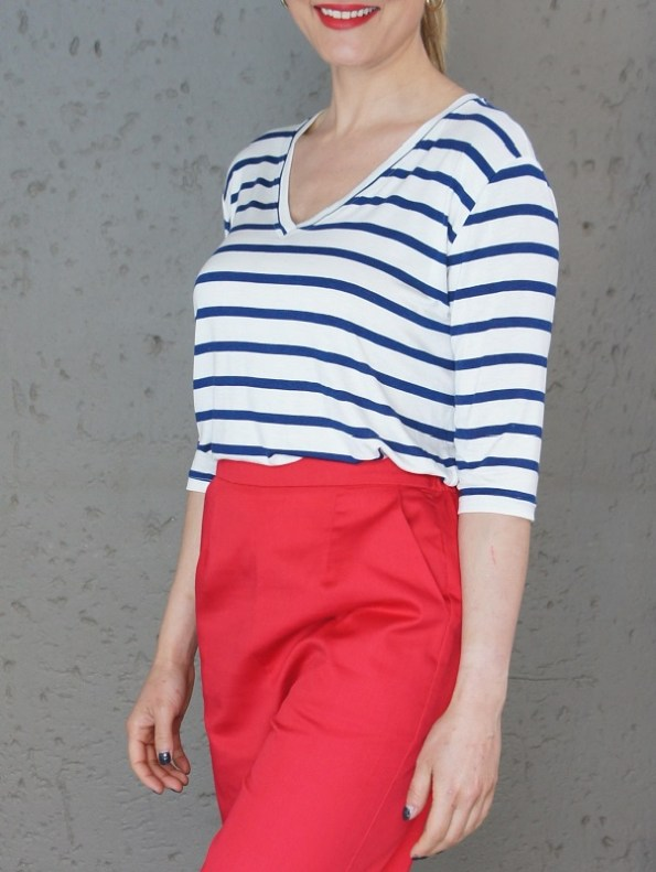 JMVB V-neck Striped T-shirt and Red Culottes Cropped