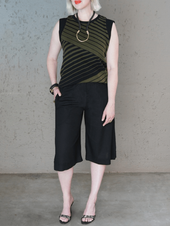 Romaria Olive Knitted Tank Top with Idv Culottes PNG