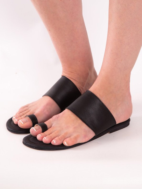 House of Cinnamon Rosa Sandals Black Modelled