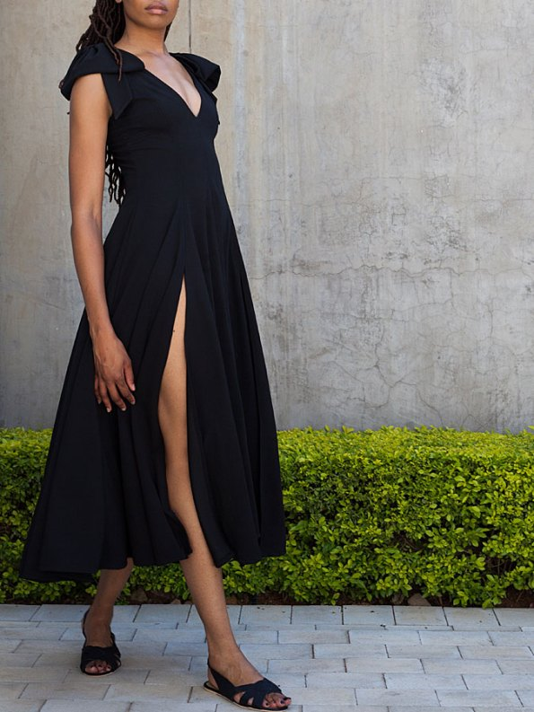 Erre Bow Fit & Flare Dress Black Slit