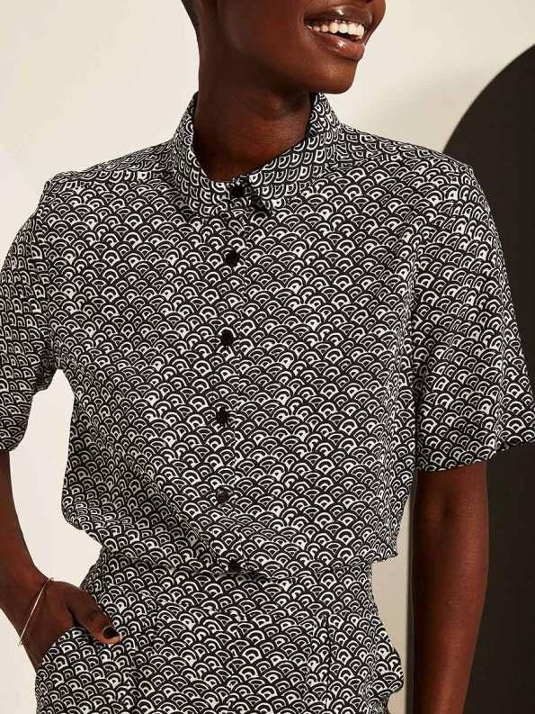 Good Little Shirt Black Fans Crop 2