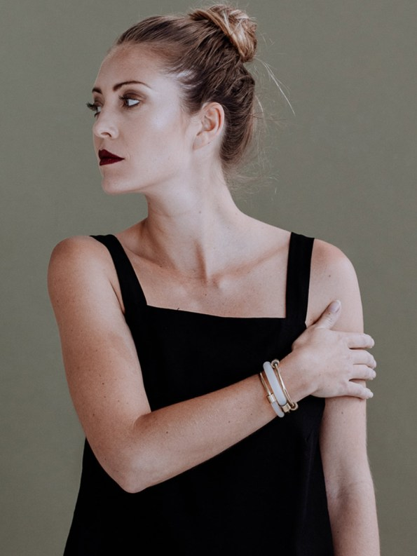 Iloni Slide Bangle White on Model
