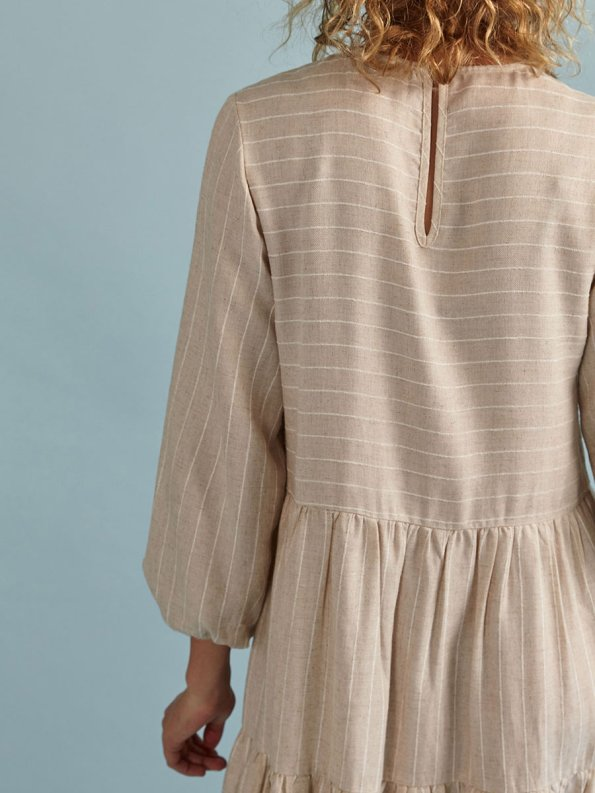 Good Short Tea Frill Natural with Stripe Cropped