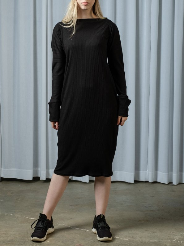 IDV Knit Cocoon Dress Black 2