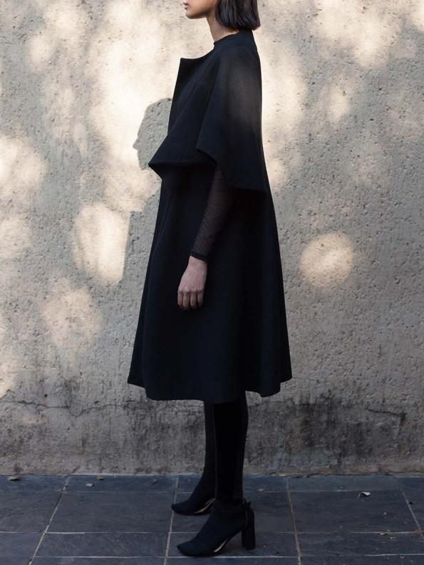 Erre Wool Cape Sleeve Coat Black 3