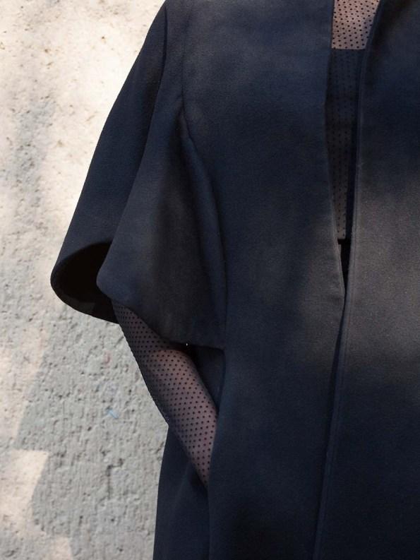 Erre Wool Cape Sleeve Coat Black Closeup