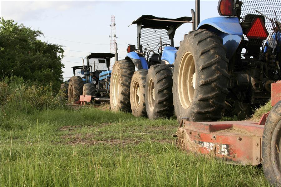tractors-lined-up