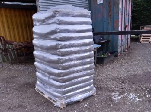 pallet of white horse energy premium wood pellet delivery