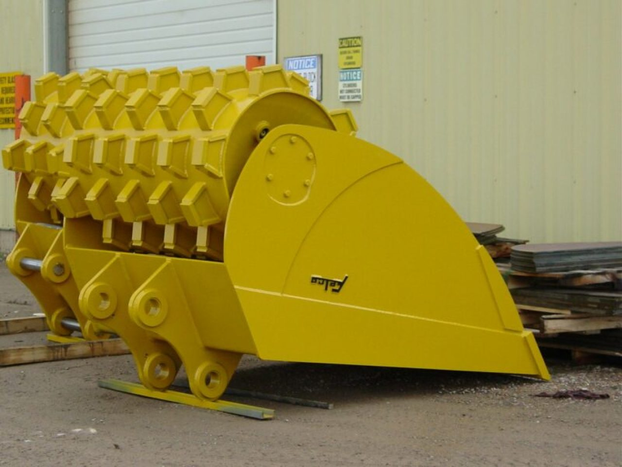 Felco Roller Compaction Bucket 18x40 - Wt. Class 10-32K 231770